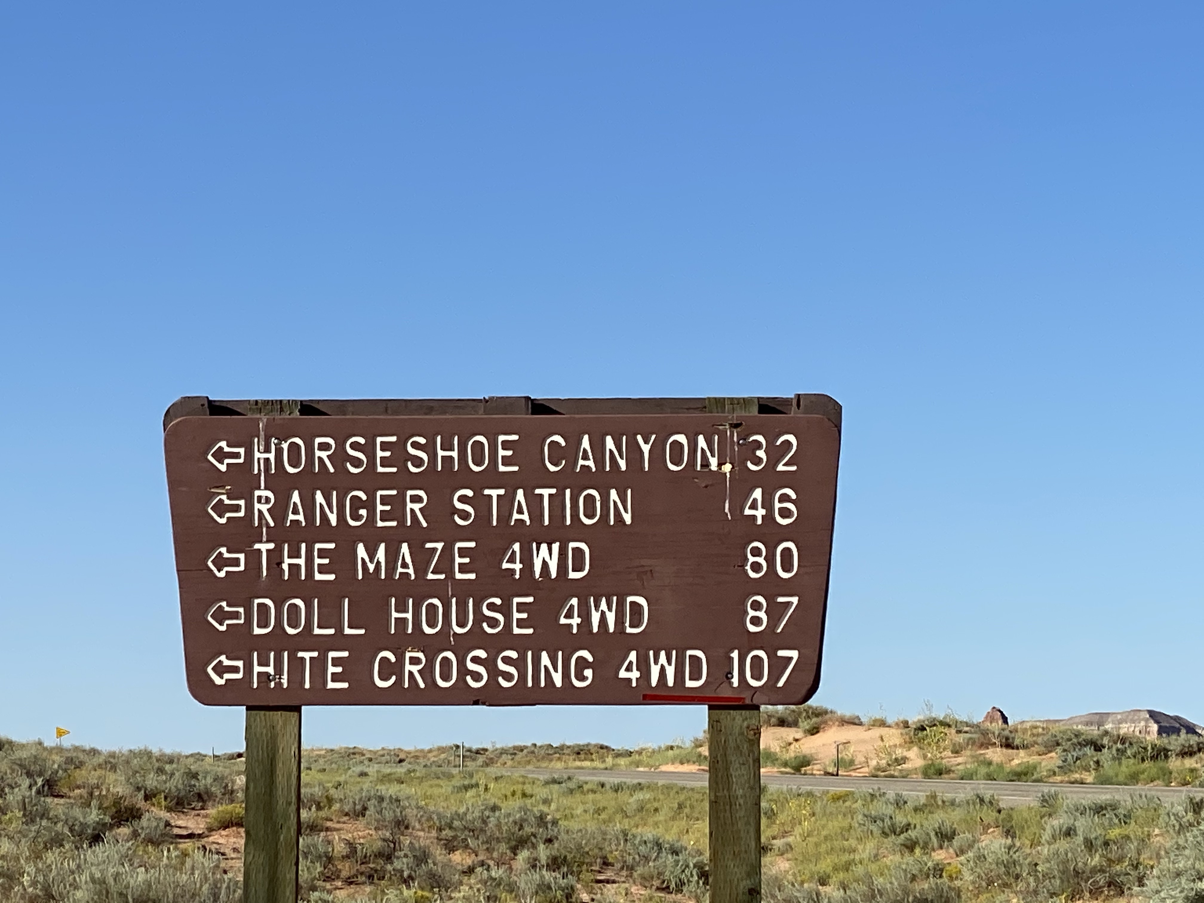 Entrance sign - 1.jpg